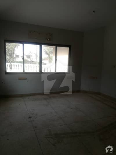 Clifton Block 2 - 600 Yard Bungalow For Rent For Commercial Use