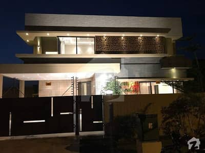 1 Kanal Brand New with bessment Beautifully Designed Modern Architect Bungalow