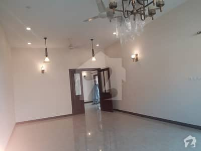 Bungalow portion for RENT Prime location in DHA PHASE 8