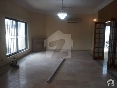 5 Bed Room House With Extra Land & Lawn For Sale In F-11/1