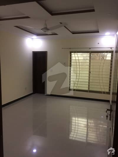 2 bed beautiful ground portion in overseas 6 phase 8 bahria town