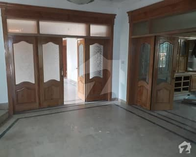 500 Sq Yard Beautiful house For Rent In F11 Islamabad   6 Beds With Attached Bath