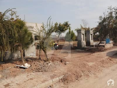 10 Kanal Farmhouse Is Available In Gulberg Greens Islamabad