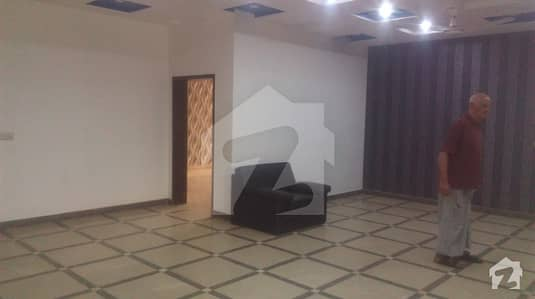 Luxury 10. Marla Upper And Lower Portion For Rent New Totely Real Pix Near Shouktkhanam
