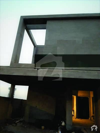 Ideal Location 1 Kanal Full Grey House For Sale In Block Y