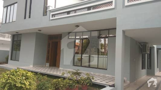 PROPERTY CONNECT OFFER F10 Full house 678 Square Yard available for rent 6 bedrooms with attach washrooms margalla view