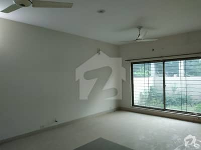 10 Marla Full House available for Rent in Askari 11 Sector A Lahore