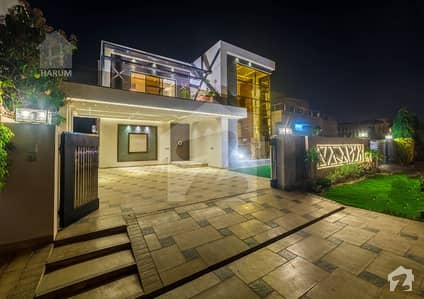 Prime Location 1 Kanal Brand New Royal Palace For Sale