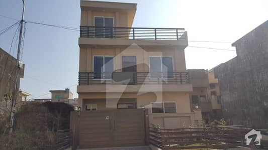 Beautiful Brand new 25x40 House Available For Sale