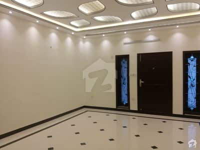 400 Sq Yard Brand New Luxury Portion Is Available For Rent Block B