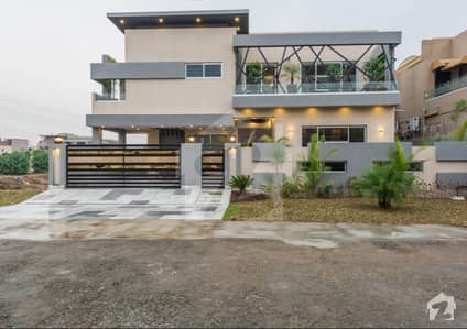 Royal Class 1 Kanal Brand New Bungalow For Sale