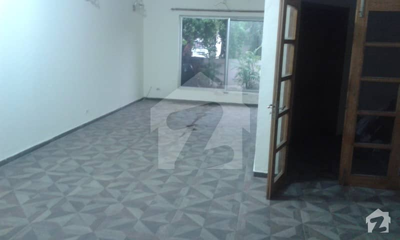 Like New Low Budget 8. 75 Marla House For Rent Safari Villas Near Park  Masjid Good Location Sector Bbahria Town