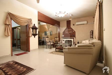 F6 Fully Furnished 2 Bedroom Ground Portion Available For Rent