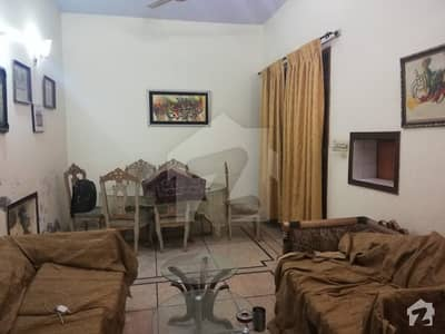 10 marla lower very near to wahdat road for rent