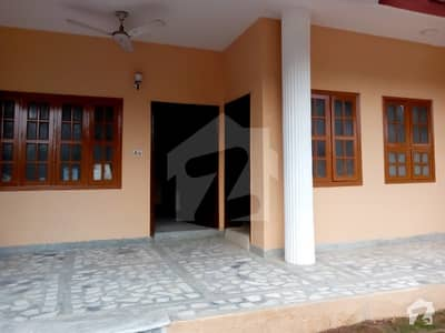 F10 1 KANAL TRIPLE STORY 6 BED 2 KITCHEN DD TV LOUNGE FOR RENT