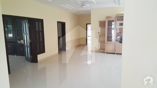Brand New Double Unit 8 Bed House With Basement At 6000