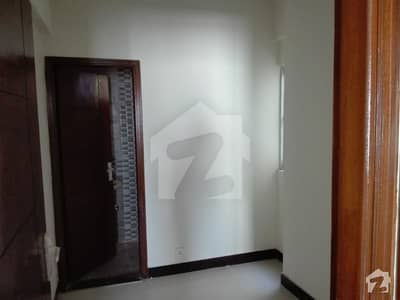 Dha Phase 5 9th East Street  Upper Portion For Rent