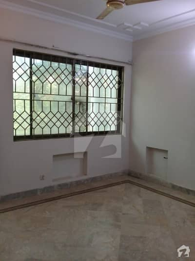 G111 25x50 Ground Portion For Rent Near Markaz