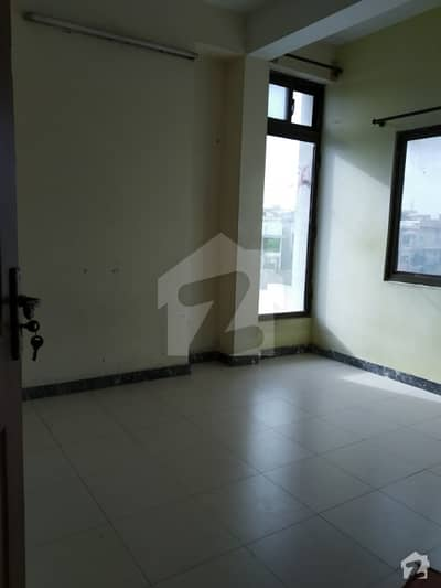 2 bed flat available for rent in G-15 Markaz
