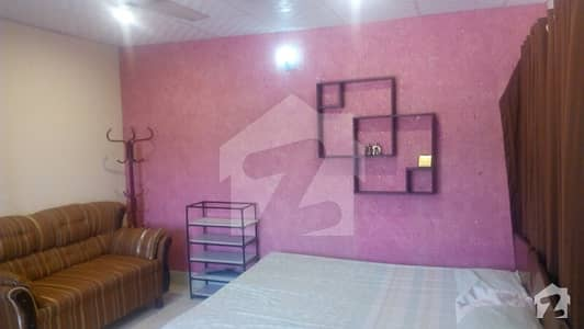F 6 room only girls ladies 1 bath 1 bed wifi available all bill including  fully furnished available for Rent