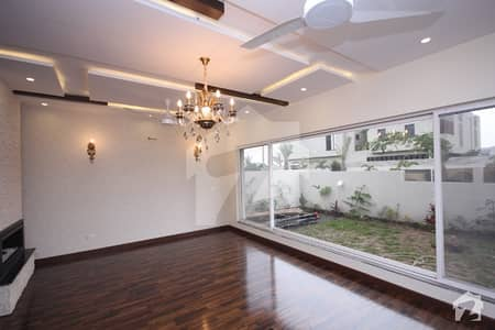 Brand New 1 Kanal  Bungalow With Well Finishing Is  For  Sale Near Dha Phase 5