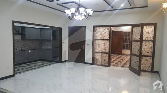 Luxury New First Entry 10 Marla House For Rent Totally Real Pix Near Shouktkhanam