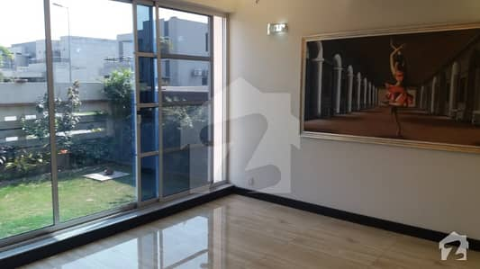 Upper Portion of 1 Kanal house in DHA Phase 4 3 Beds TV Lounge  Car parking