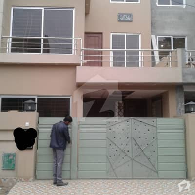 5 MARLA BRAND NEW STYLISH CLASSIC HOUSE FOR RENT IN BAHRIA TOWN LAHORE