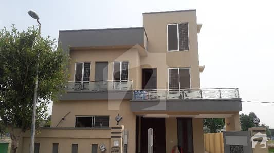 BRAND NEW 10 MARLA LUXURIOUS HOUSE FOR SALE IN BAHRIA TOWN LAHORE