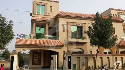 DESIGNER FINISHED 10 MARLA BRAND NEW CLASSIC HOUSE FOR SALE IN BAHRIA TOWN LAHORE