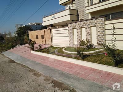Pakistan town one Kannl upper portion for rent. .
