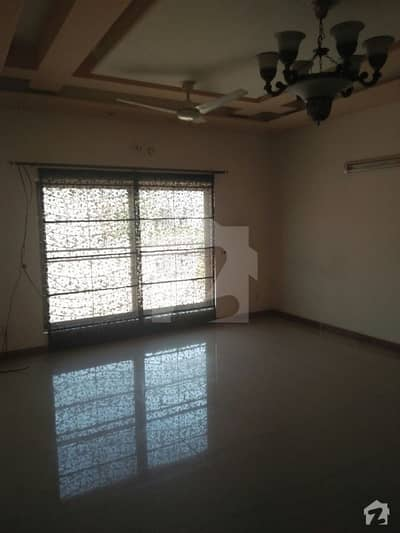 1 Kanal ALMOST NEW BEAUTIFUL UPPER PORTION in PCSIR 2 at prime location