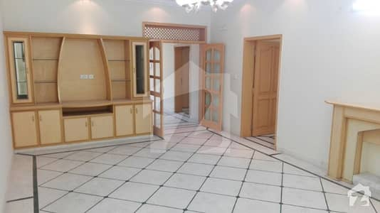 1 Kanal NEAT CLEAN BEAUTIFUL house in PCSIR 2 WITH BASEMENT at prime location BLOCK B