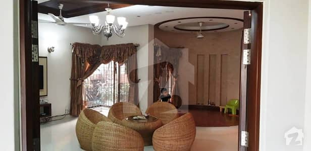 1 Kanal Slightly Used Luxury Double Unit Beautiful Out Stander Most Elegant Bungalow For Rent  In DHA Phase V