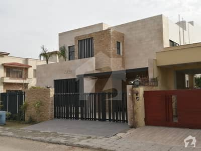 best quality corner 1 kanal house in dha phase 2