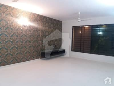 WELL MAINTAINED 1000 YARD BUNGALOW ON MOST PRIME LOCATION