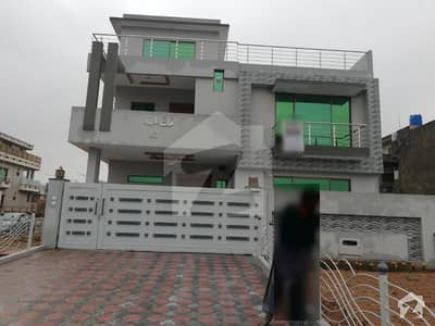 Brand New Spacious 5BED 10M House in G 13 Corner Main Road For Rent