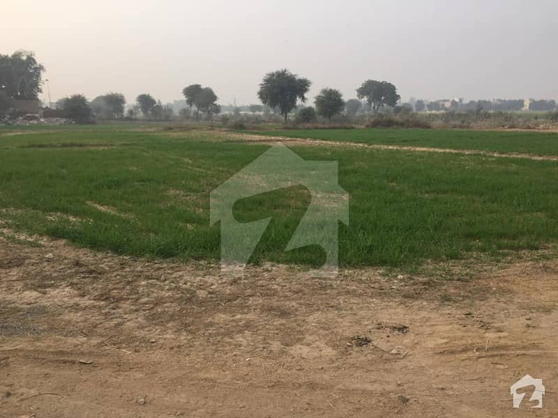 1 Acre for farm House in Bahria Town