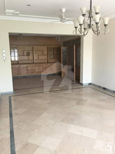 G13  house size 40x80 upper portion for rent