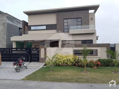 1kanal Luxurious bungalow  for rent in DHA Phase  6 c block