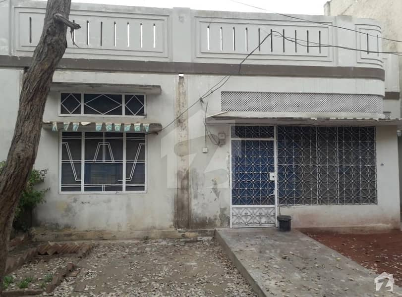 House For Sale In Main Commercial Market