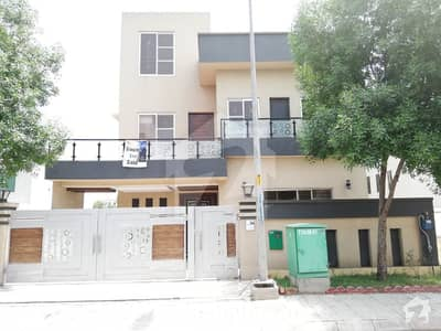 10 Marla Upper Portion For Rent Good Condition Janiper Bloci Bahria town Lahore