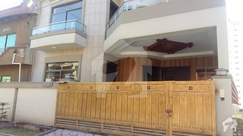 Outclass Brand New House Available For Sale