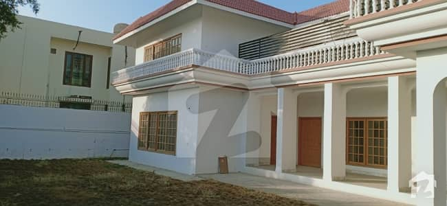 800 Yard House At General's Colony Behind Zamzama Park  For Sale