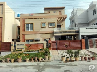 10 Marla Brand New Double Unit House For Sale On 80 Feet Road