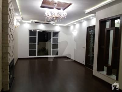 New Iqbal Park Lahore Cantt 10 Marla Brand New Double Unit Bungalow For Sale
