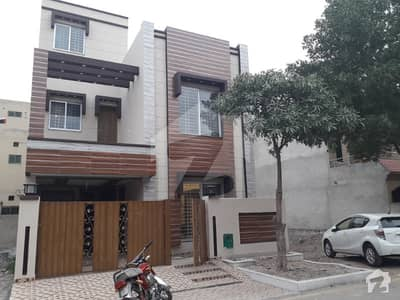 05 Marla Brand New Stylish House For Sale In Bahria Town Lahore
