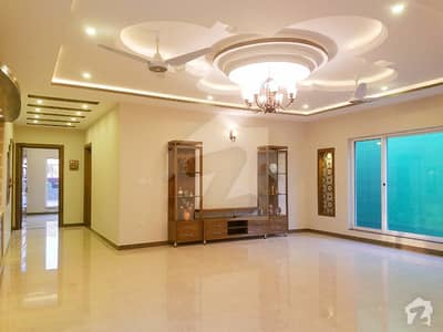 1 Kanal Modern Newly Built Bungalow For Sale