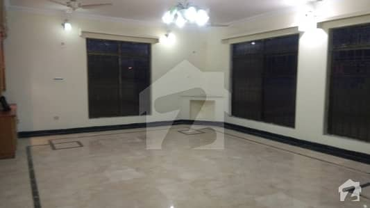 F-11  600 Sq Yd 7 Bed Room Triple Story House Is A Vailable For Rent