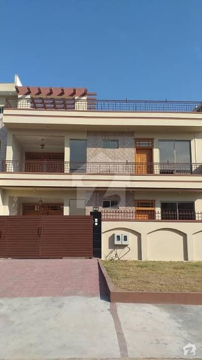 Beautiful Lavish Brand New House 35x70 G13 Islamabad